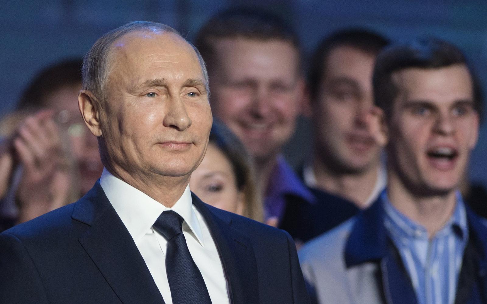 hogyan keres pénzt Putyin)