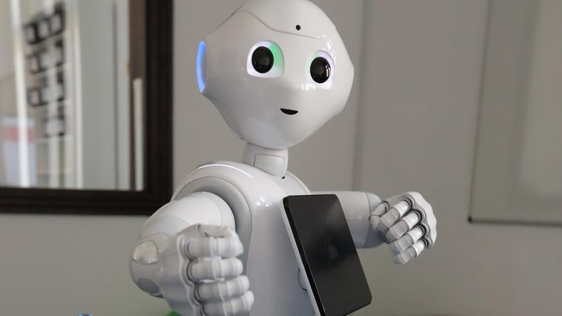 Robot kiszolgáló érkezett egy magyarországi sportáruházba