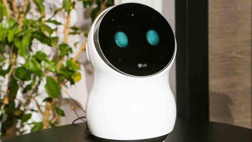 Robotkutya vigyáz a bevásárlóközpont látogatóira – videó | Magyar Nemzet