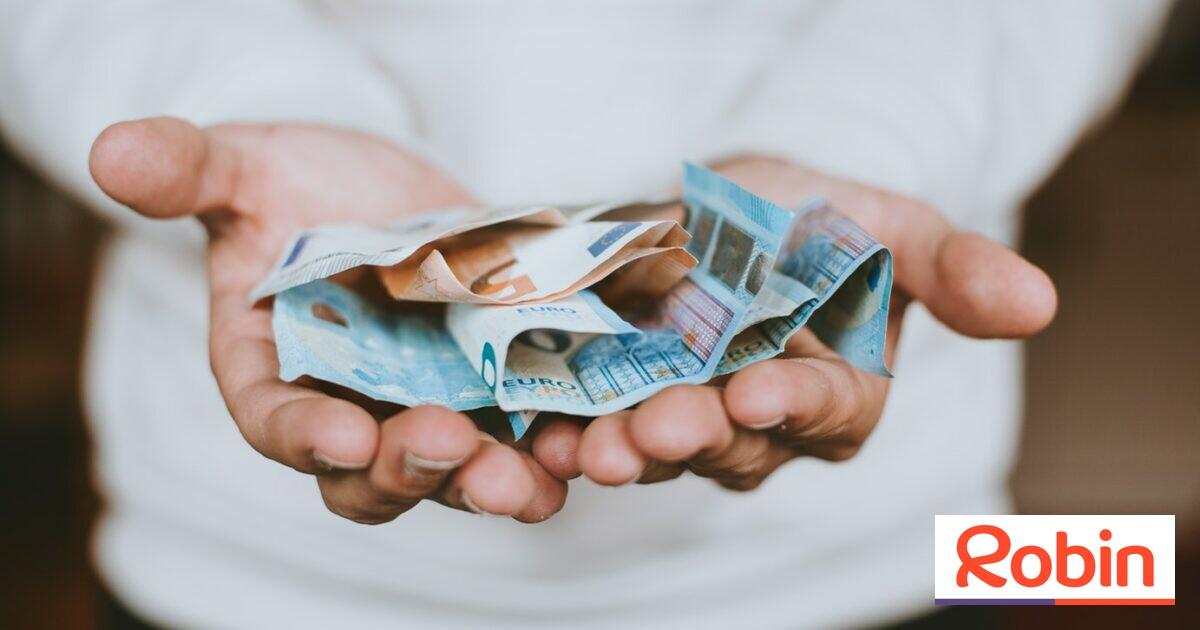 aki pénzt keres a nemzetközi)