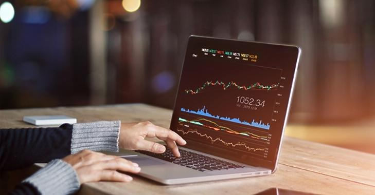 szakértő az online tőzsdei kereskedelemben milyen nehéz az embernek pénzt keresni