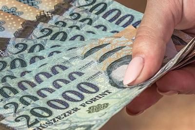 gyors pénz autókra)