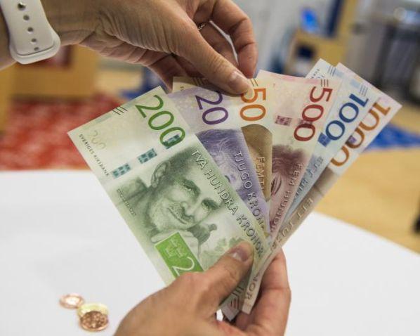 emberek, akik pénzt kerestek