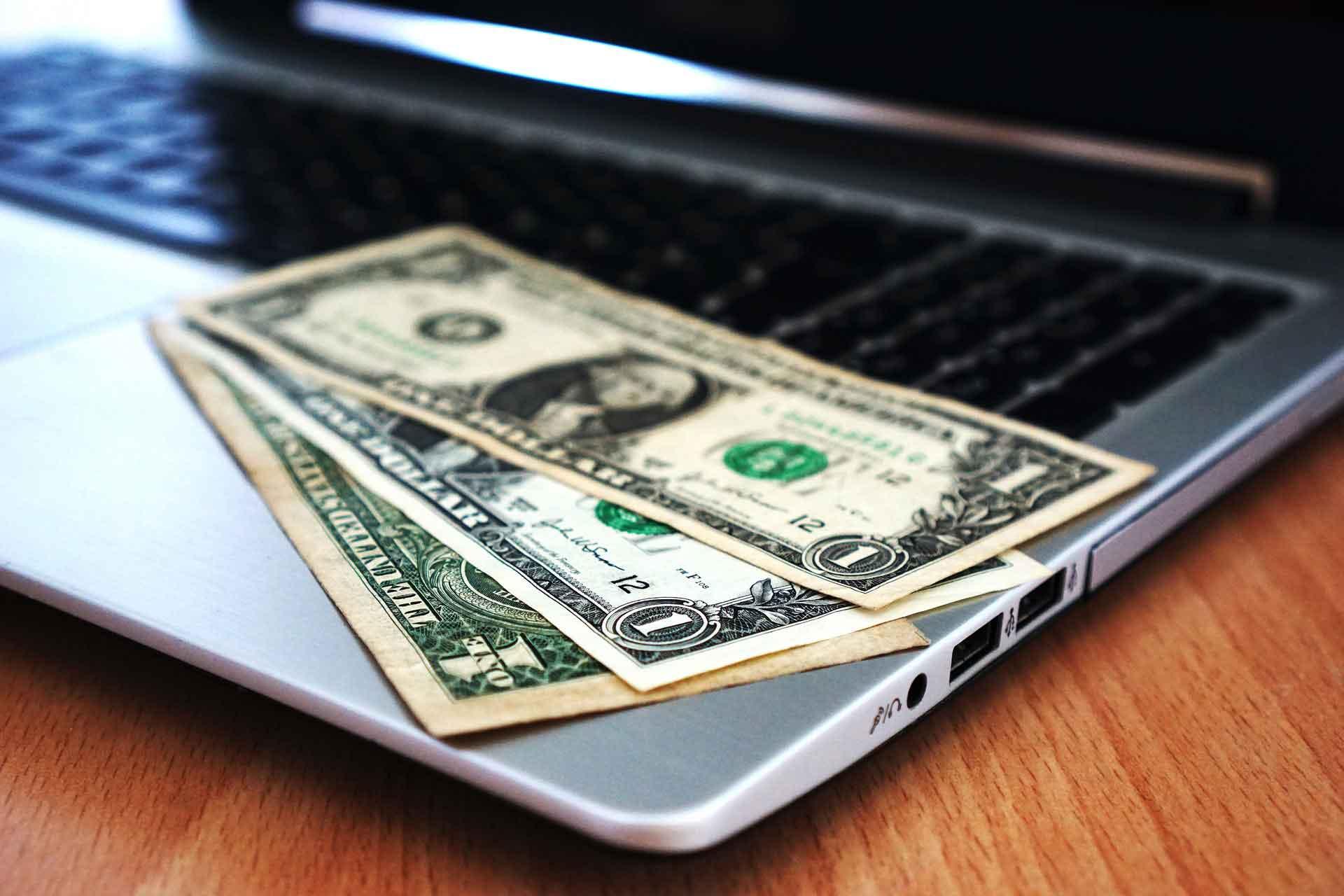 az internetes pénzkeresés csapdája