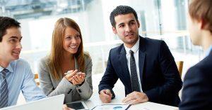 részvényopciókkal kapcsolatos képzés)