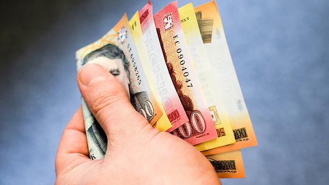 társadalmi pénzt keresni)