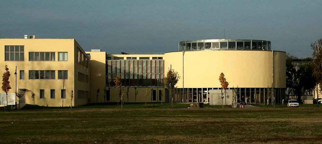 kereskedelmet oktató egyetemek