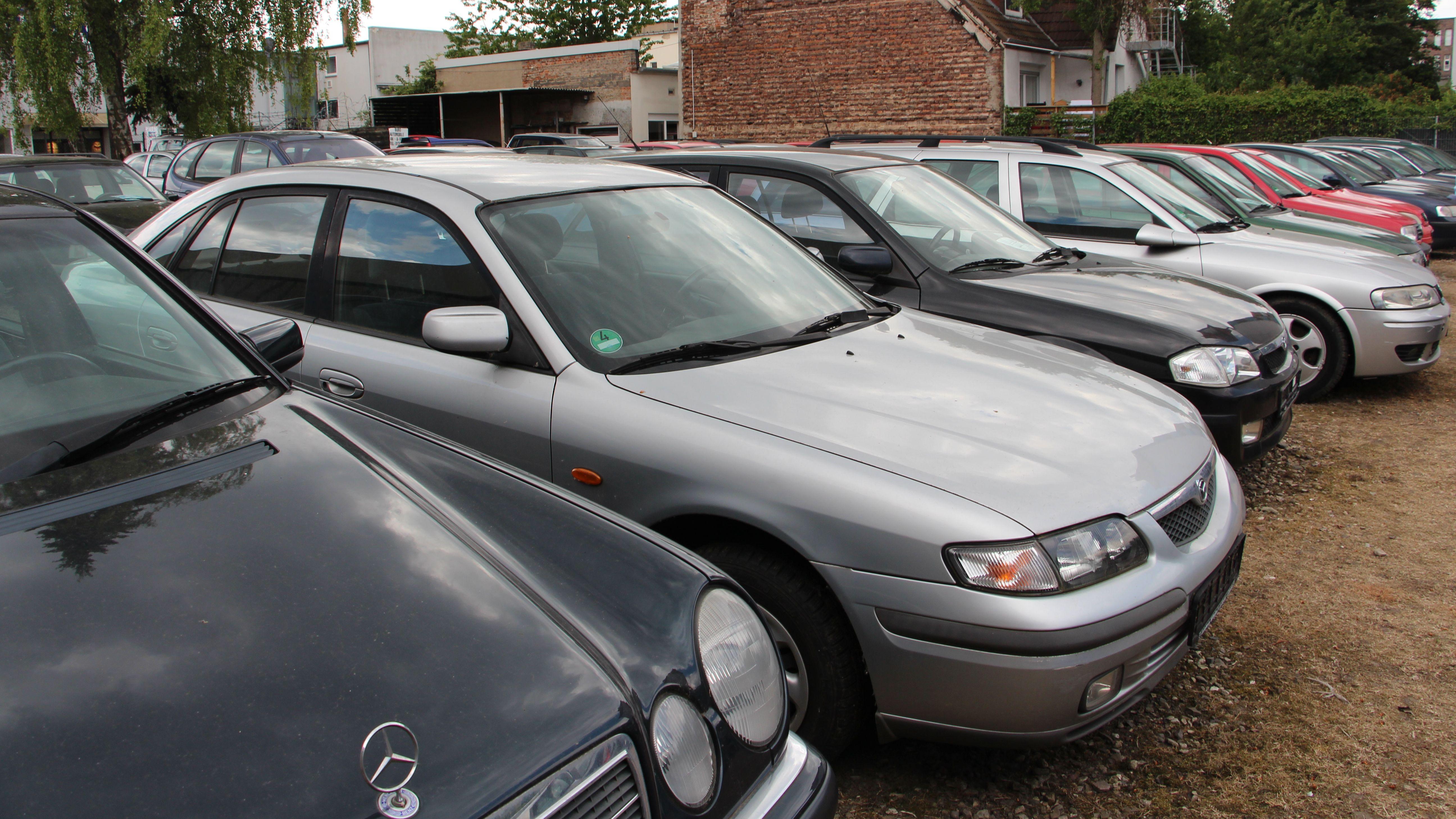 Az autó csatlakoztatása az internethez Bluetooth funkcióval rendelkező telefonon keresztül