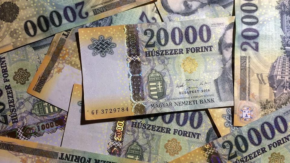 ki és hogyan keresett pénzt betéteken)