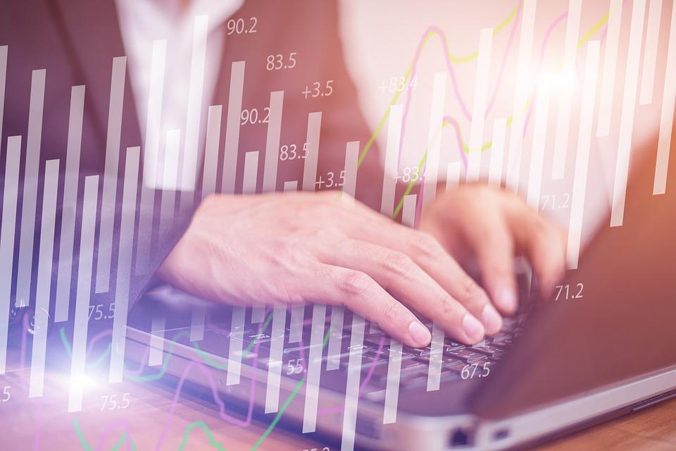 jövedelem az internetes lehetőségekben ahol az emberek pénzt keresnek