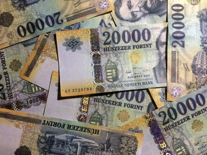 hogyan lehet pénzt keresni millió befektetésével)