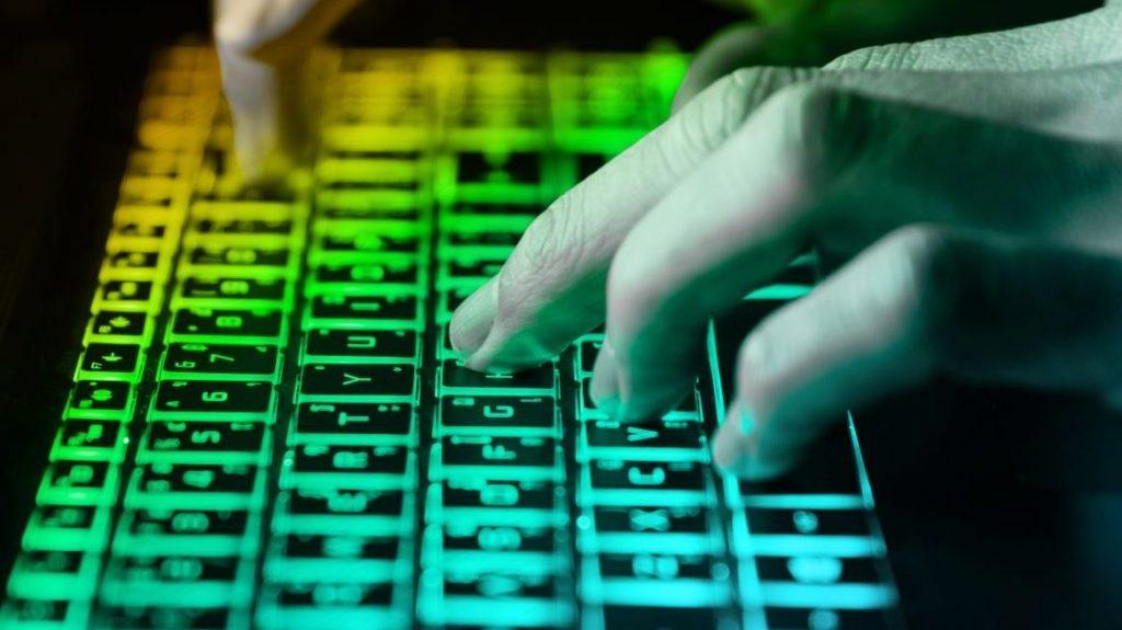 pénzt keresni hacker